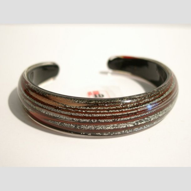 Glas Armbånd - Sort Med Rød Striber og Sølv - Dia. 6,5cm og 3cm Åbning